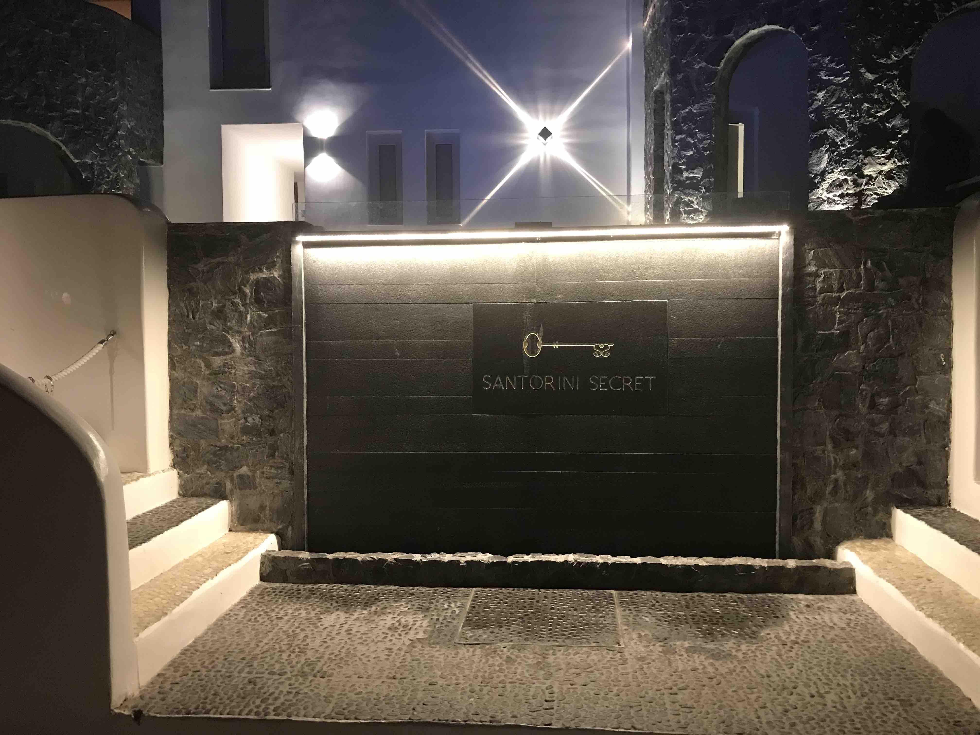 Santorini secret